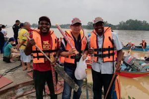 Sarawak, Malaysia: Paddling with Christ