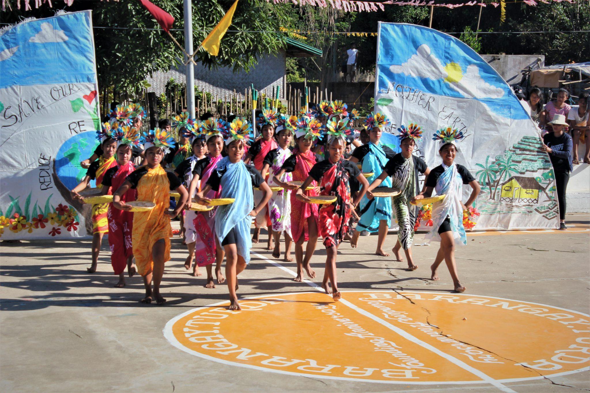 Philippines: 'Online Missionaries'